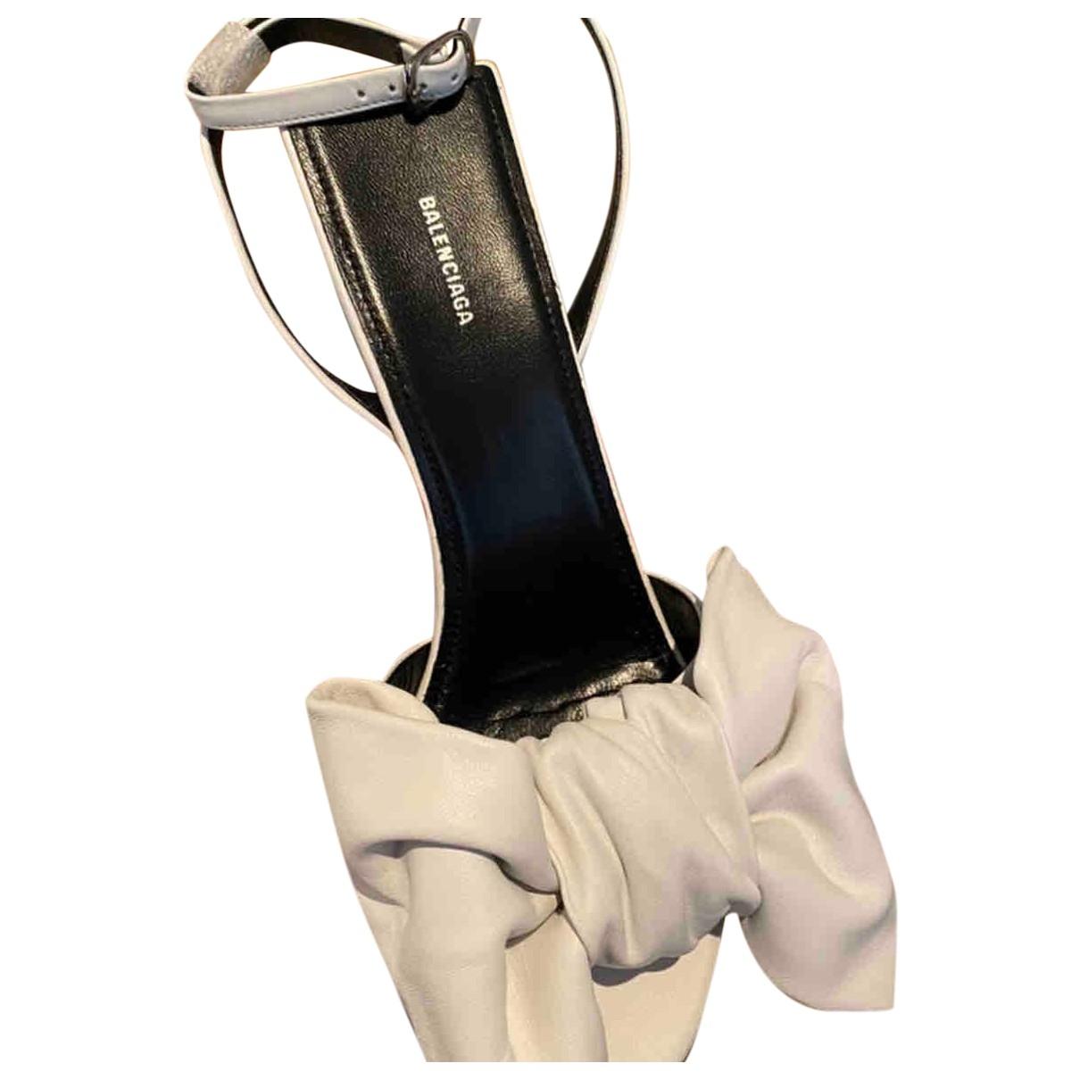 Balenciaga \N White Leather Sandals for Women 37 EU