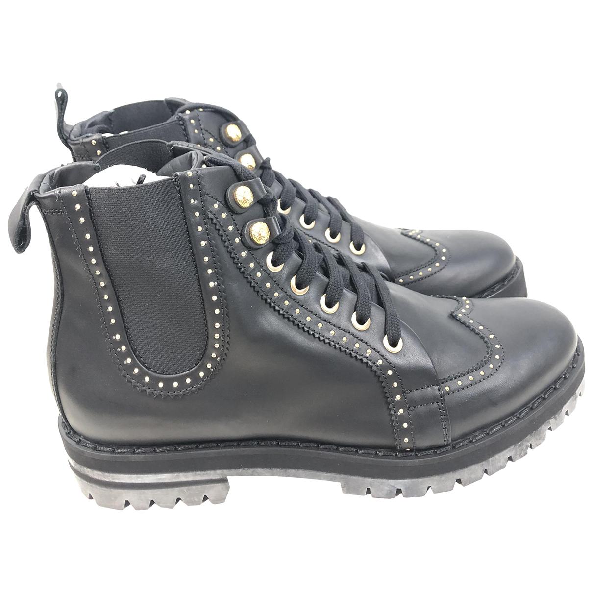 Versace \N Stiefel in  Schwarz Leder
