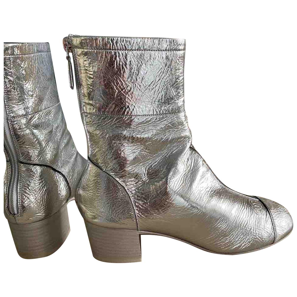 Chanel \N Stiefeletten in  Silber Leder