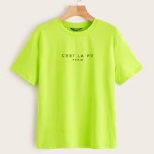 Camiseta con estampado de slogan de color neon
