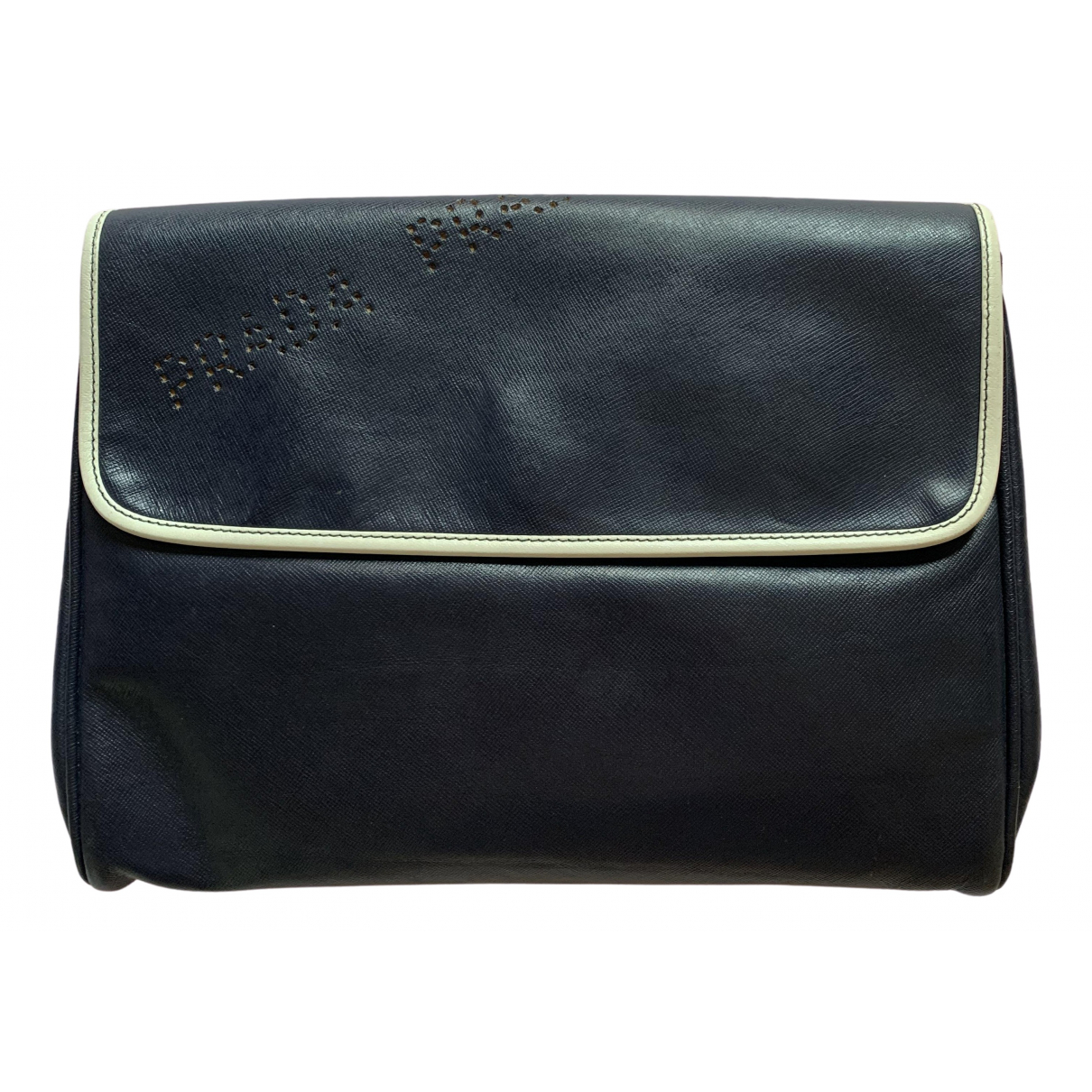 Prada \N Clutch in  Blau Leder