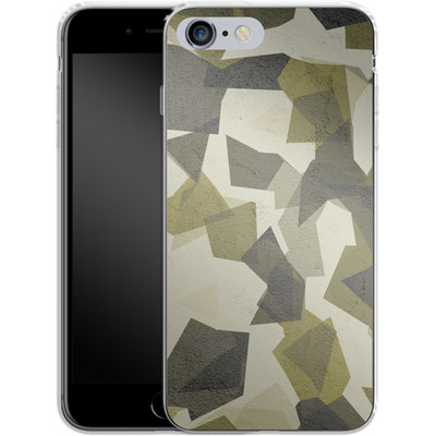 Apple iPhone 6 Plus Silikon Handyhuelle - Geometric Camo Green von caseable Designs