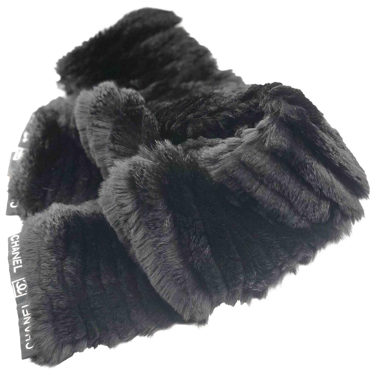 Chanel \N Black Rabbit scarf for Women \N
