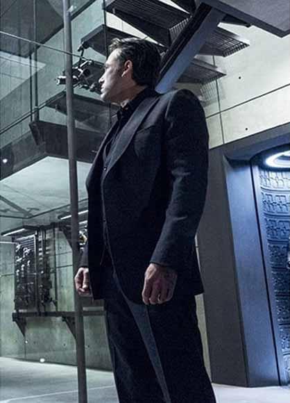Bruce Wayne Men's Black Peak Lapel Vested Wool Blend Suit