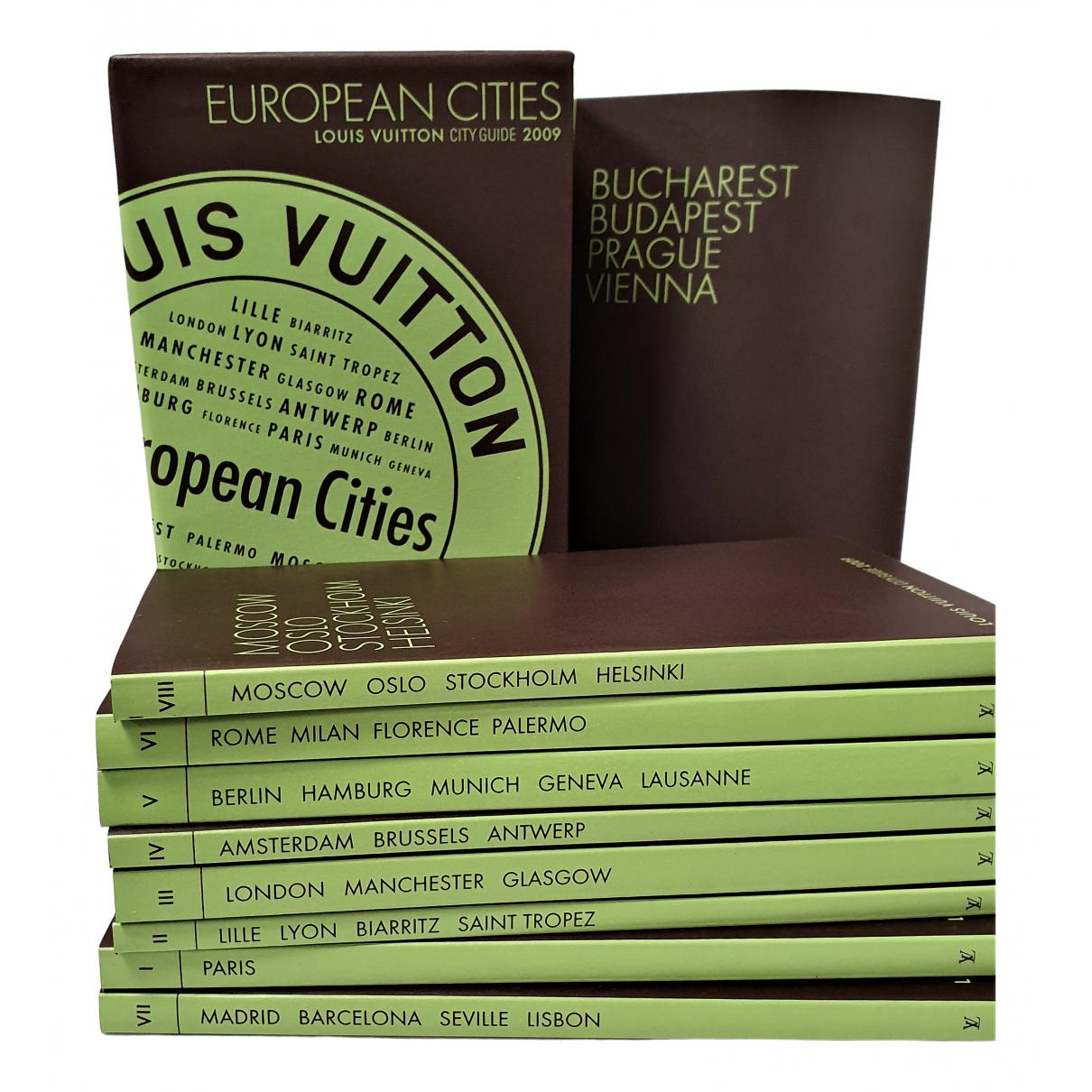 Louis Vuitton - Voyages City Guide pour lifestyle en autre - marron