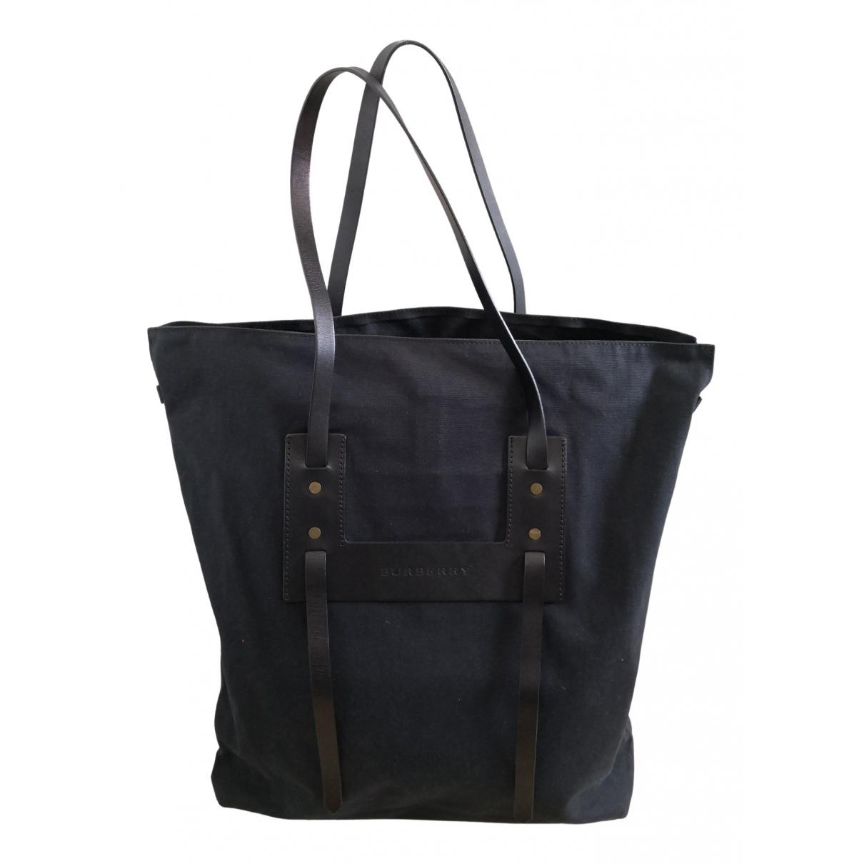 Burberry \N Handtasche in  Marine Leinen