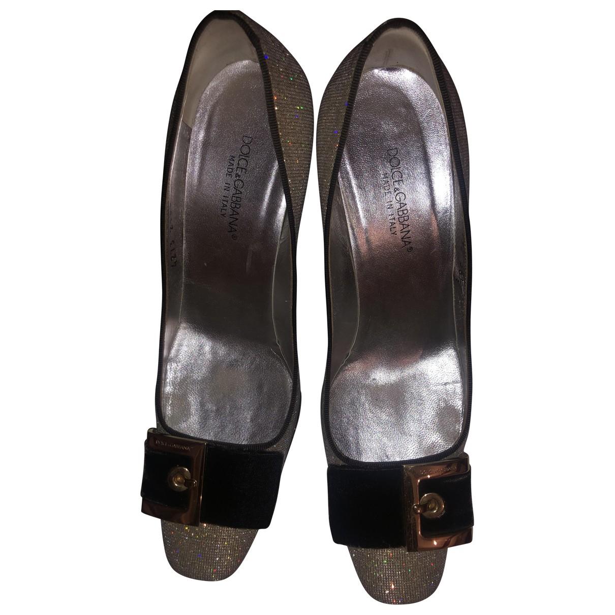 Dolce & Gabbana \N Pumps in  Silber Leinen