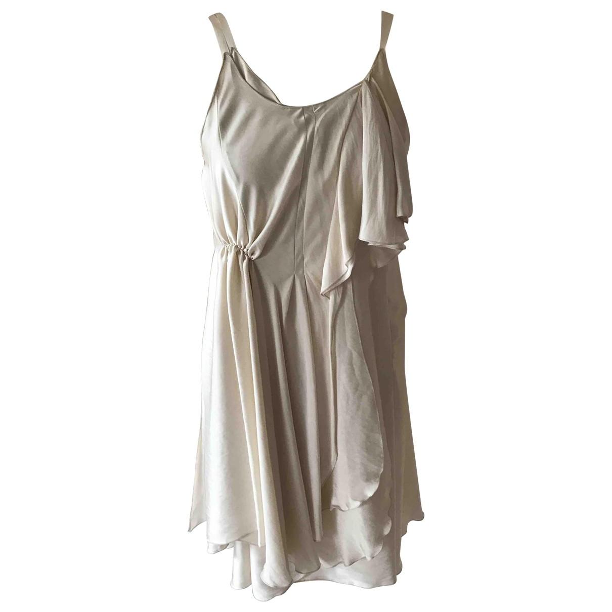 Nina Ricci \N Kleid in  Beige Seide