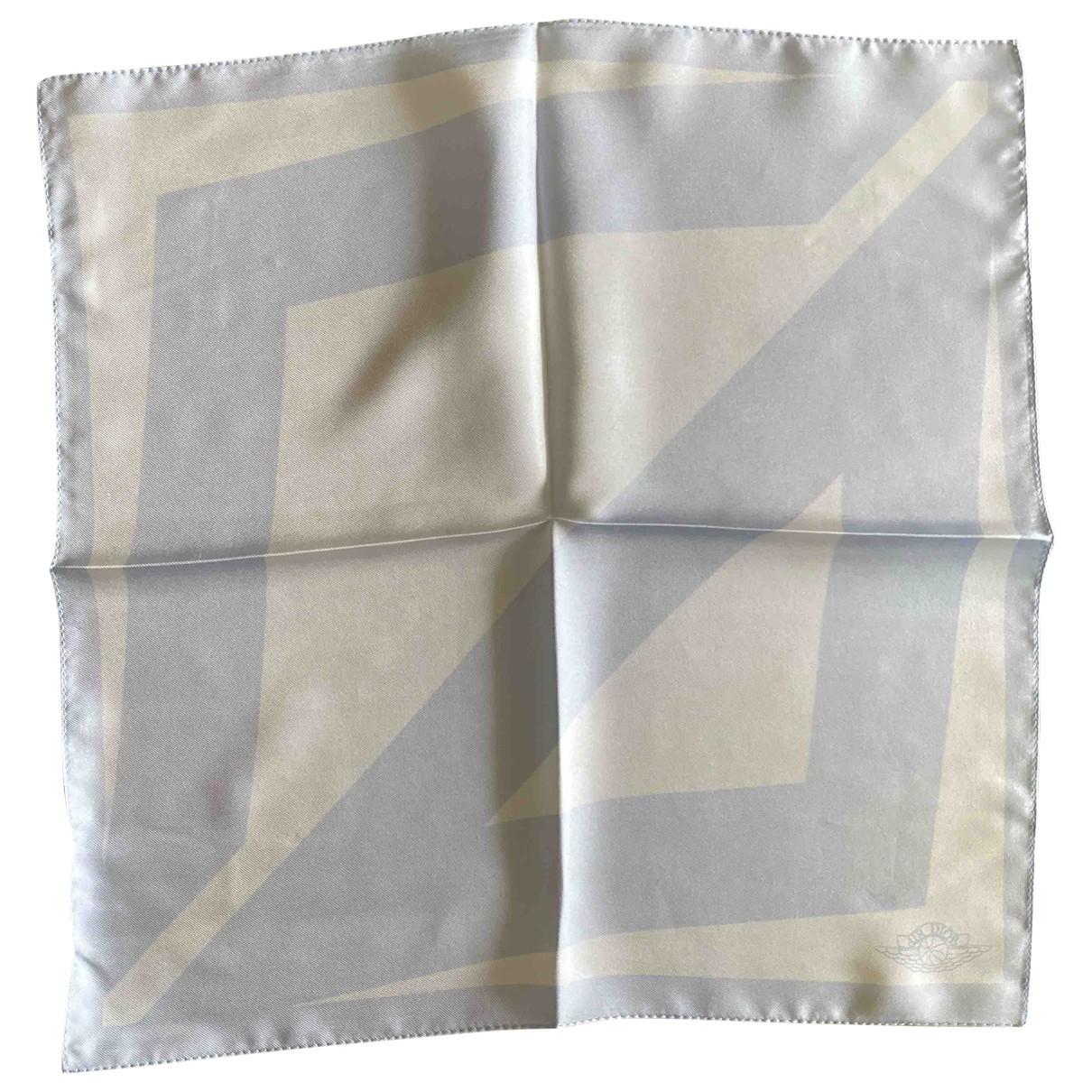 Pañuelo / bufanda de Seda Jordan X Dior