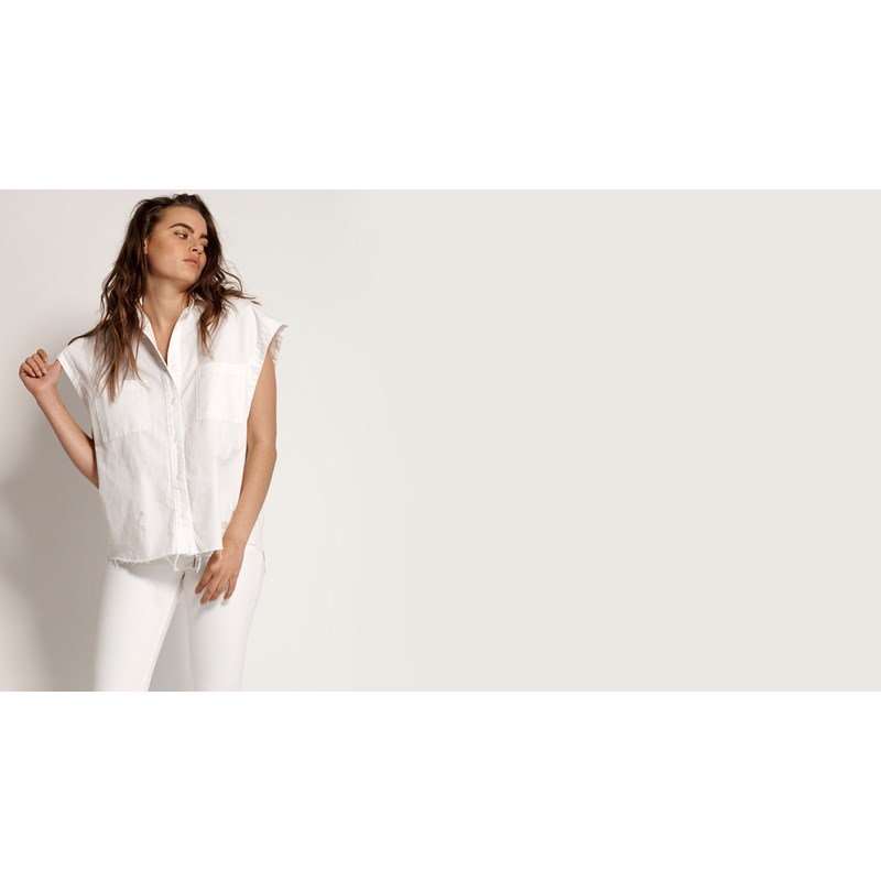 WHITE TOMMY CUT OFF SHIRT