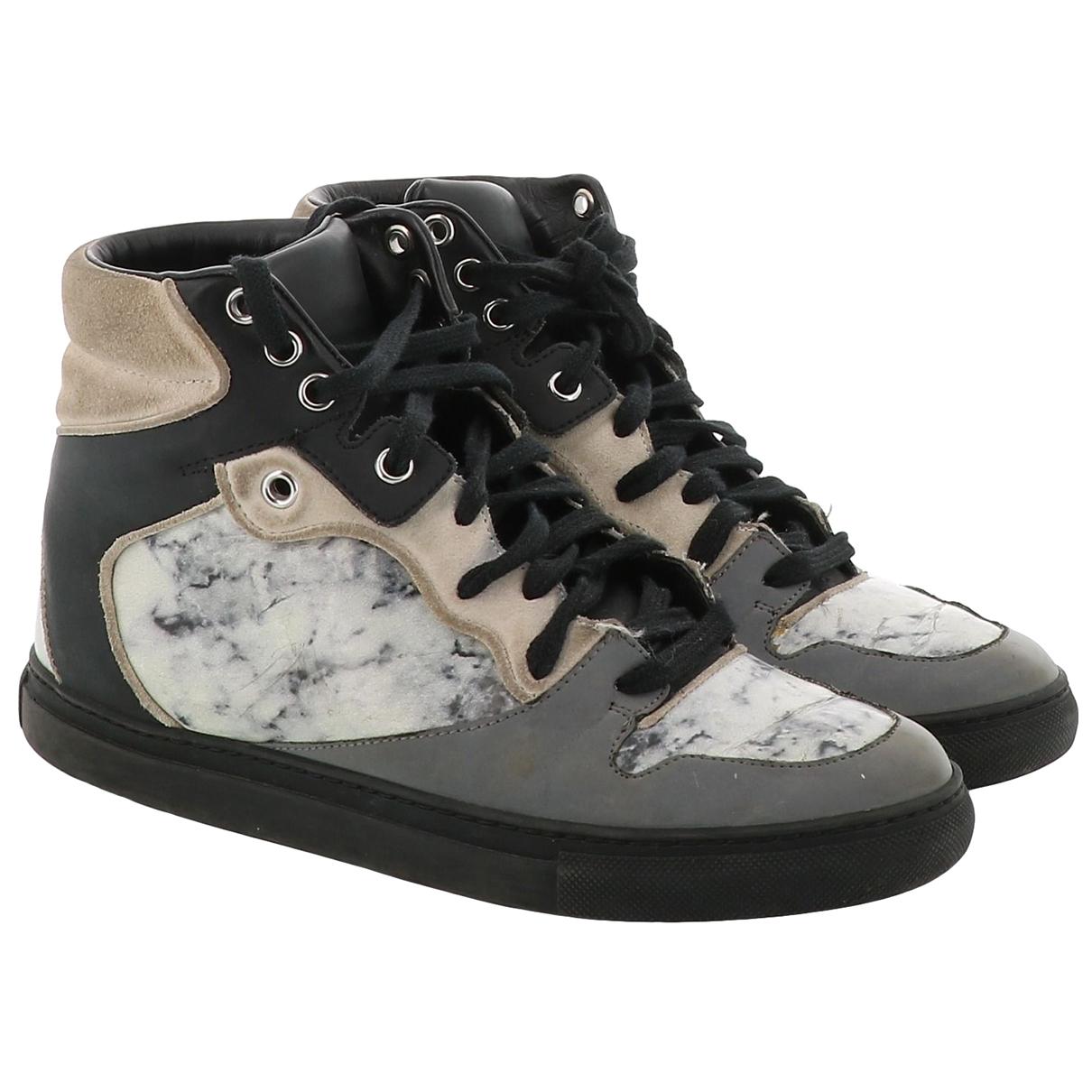 Balenciaga \N Sneakers in  Bunt Veloursleder