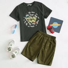 Top mit tropischem und Buchstaben Muster & Shorts Set