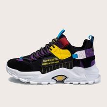 Sneakers mit Farbblock und klobiger Sohle
