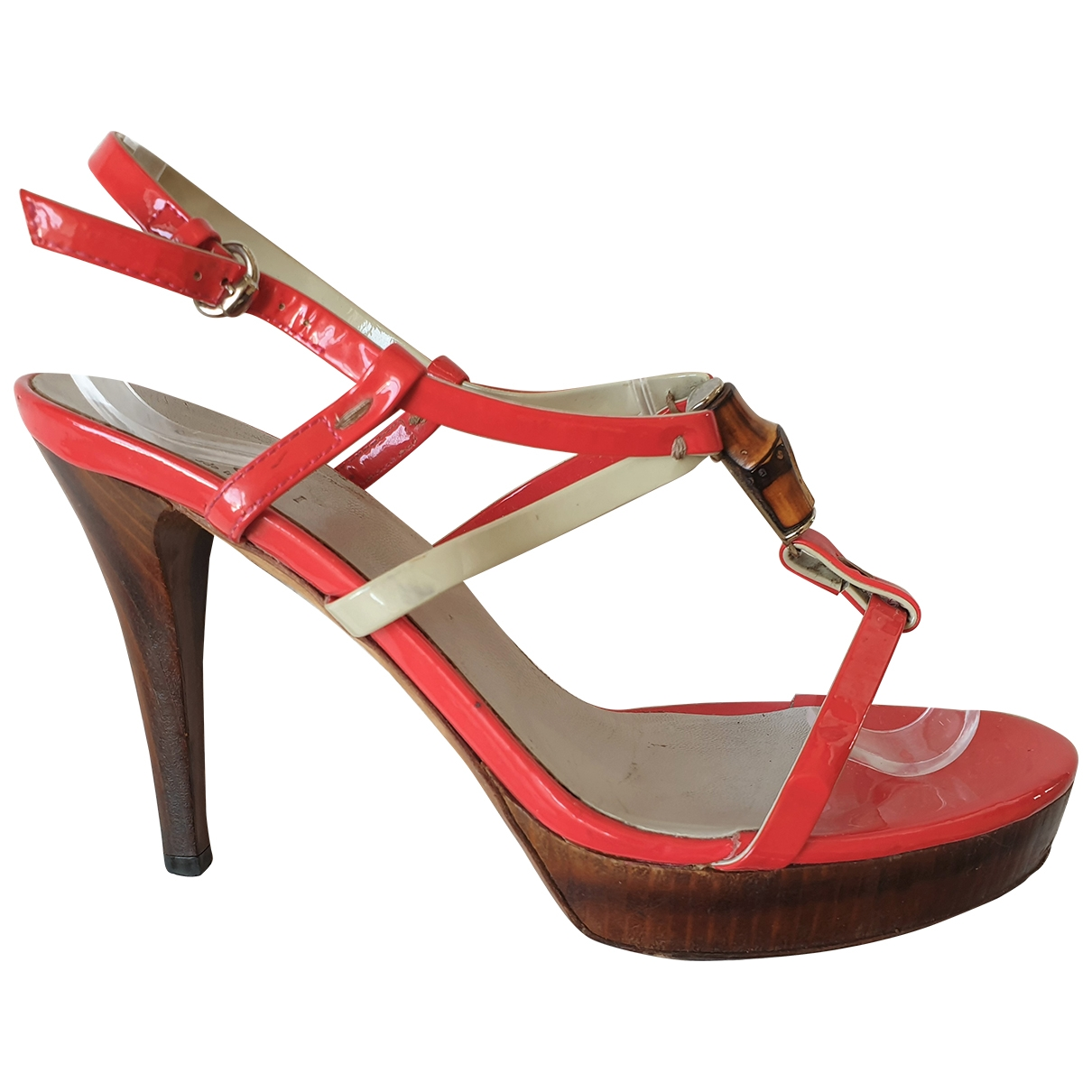 Gucci \N Red Patent leather Sandals for Women 38.5 EU