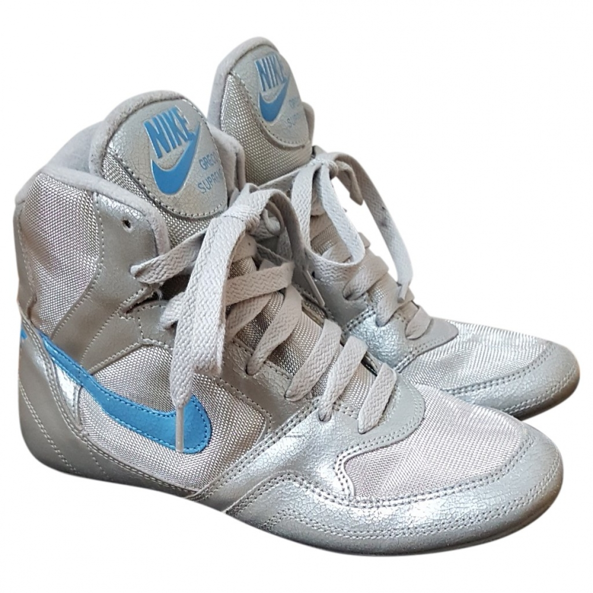 Nike \N Silver Leather Trainers for Women 38.5 EU
