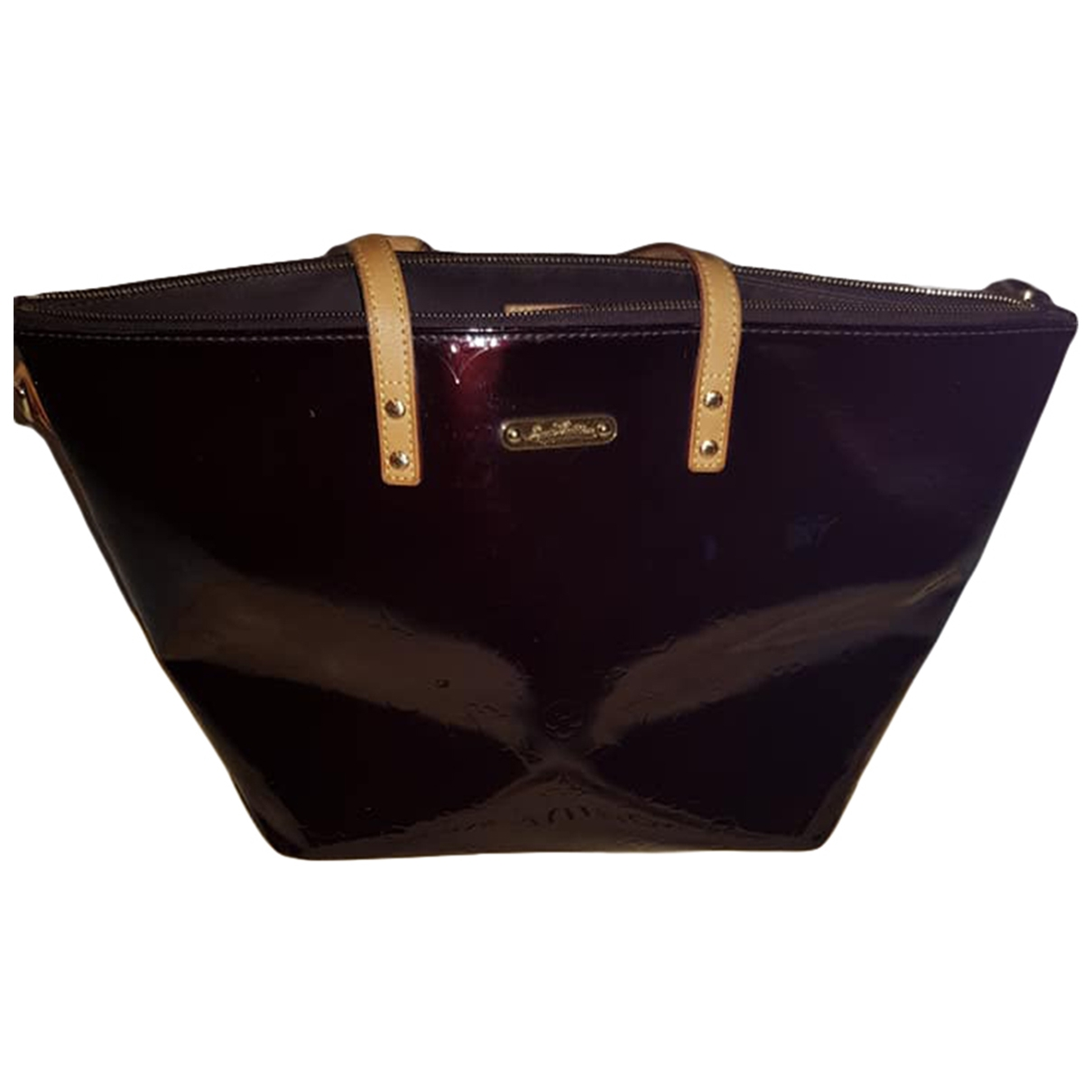 Louis Vuitton Bellevue Handtasche in  Bordeauxrot Lackleder