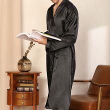Einfarbige Satin Robe mit Guertel