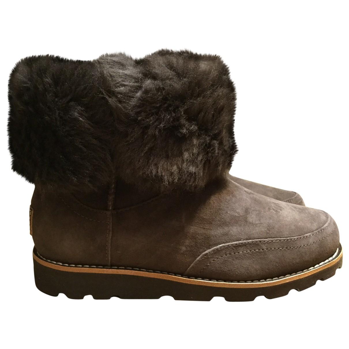 Ugg - Boots   pour femme en suede - marron