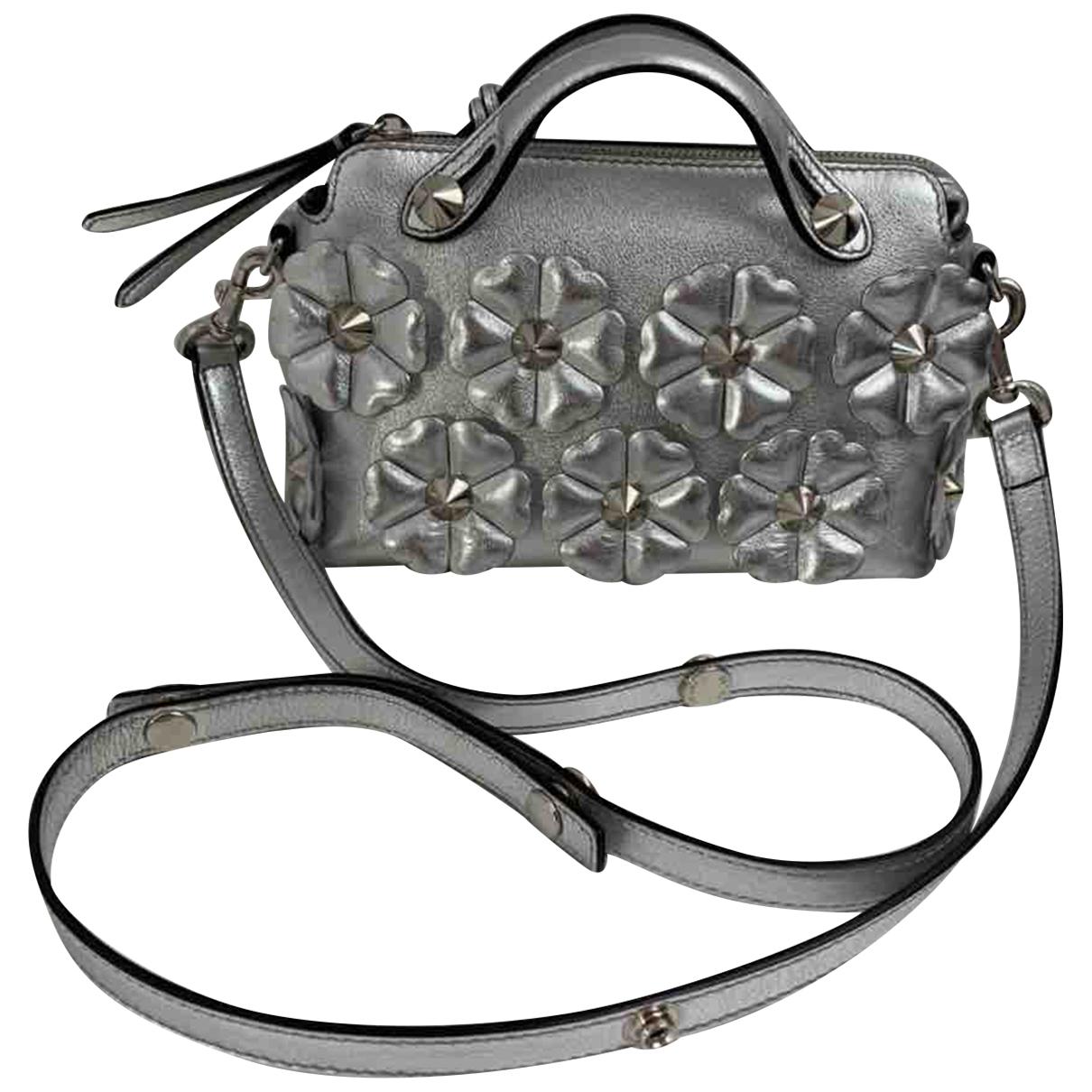 Fendi N Silver Leather handbag for Women N