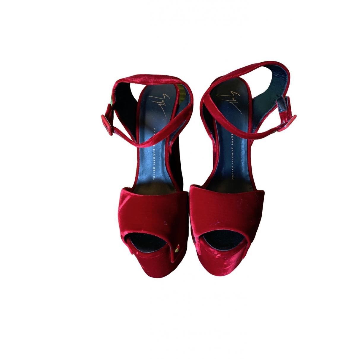 Giuseppe Zanotti - Sandales   pour femme en velours - rouge