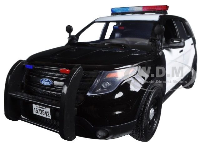2015 Ford PI Utility Interceptor Black & White Police Car with Light Bar 1/18 Diecast Car Model by Motormax