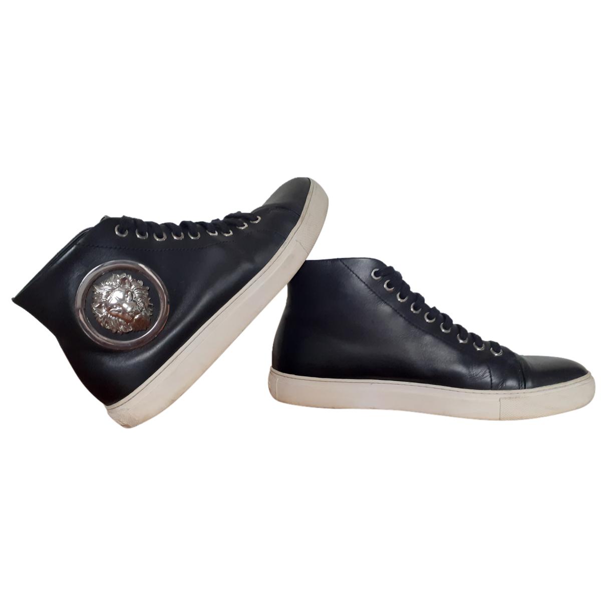Versus \N Sneakers in  Schwarz Leder