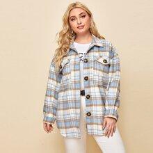 Mantel mit Taschen Klappe, sehr tief angesetzter Schulterpartie und Karo Muster