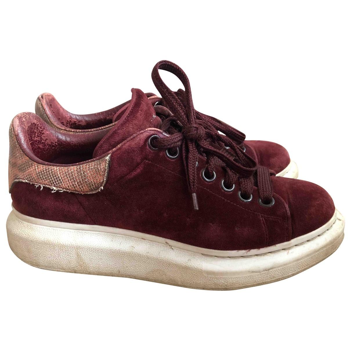 Alexander Mcqueen Oversize Sneakers in  Bordeauxrot Samt