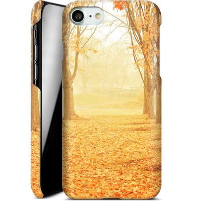 Apple iPhone 7 Smartphone Huelle - Fog von Joy StClaire