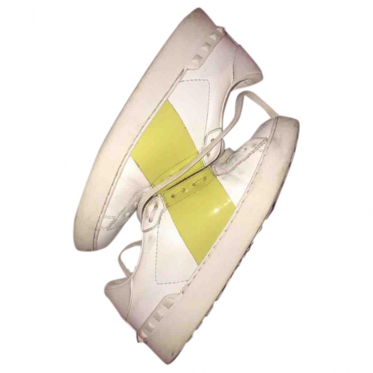 Valentino Garavani - Baskets Open pour femme en cuir - jaune
