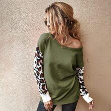 Pullover mit Kontrast Leopard Muster auf Ärmeln
