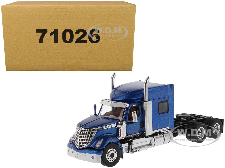 International LoneStar Sleeper Cab Truck Tractor Blue 1/50 Diecast Model by Diecast Masters
