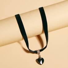 Halsband mit Herzen Anhaenger