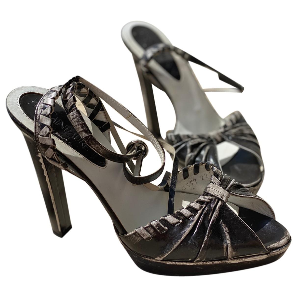 Yves Saint Laurent \N Black Leather Sandals for Women 39 EU