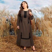 Kleid mit Quasten, Kordelzug Detail und Guipure Spitzen Einsatz