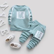 Kleinkind Jungen Sweatshirt mit Buchstaben Muster und Hosen