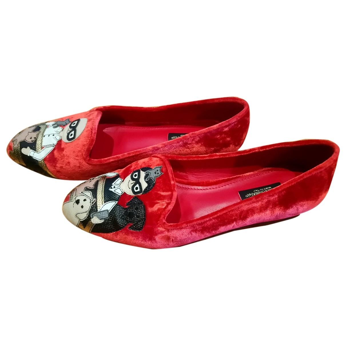 Dolce & Gabbana \N Red Velvet Flats for Women 35.5 EU