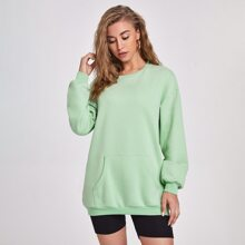 Langer Pullover mit sehr tief angesetzter Schulterpartie und Taschen vorn