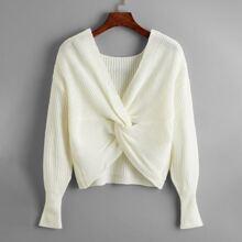Pullover mit Twist vorn und sehr tief angesetzter Schulterpartie