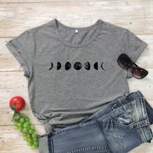 T-Shirt mit Galaxis Muster und kurzen Ärmeln