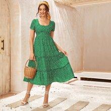 A Linie Kleid mit Bluemchen Muster und Rueschenbesatz