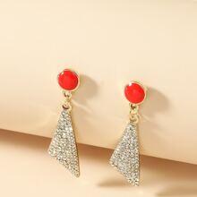 Ohrringe mit Strass und Dreieck Design