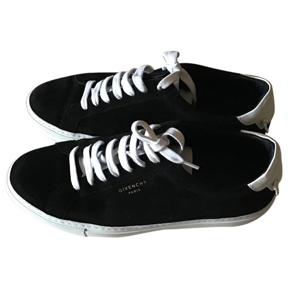 Givenchy \N Sneakers in  Schwarz Veloursleder