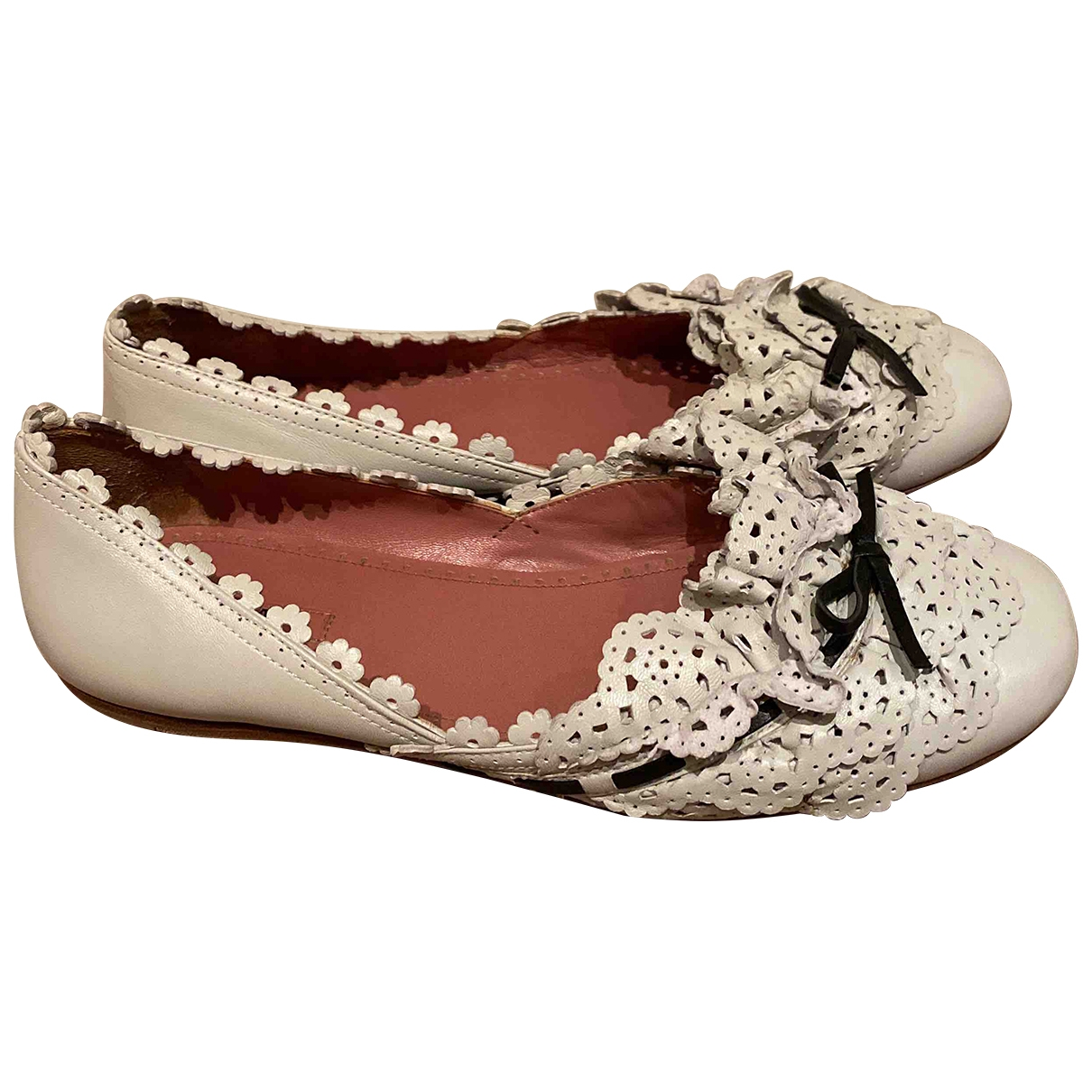 Alaia \N Ballerinas in  Weiss Leder