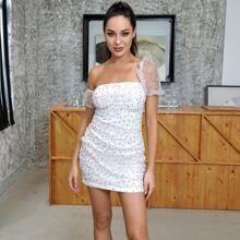 HouseOfChic Kleid mit Rueschen auf Bueste, Punkten Muster und Netzstoff