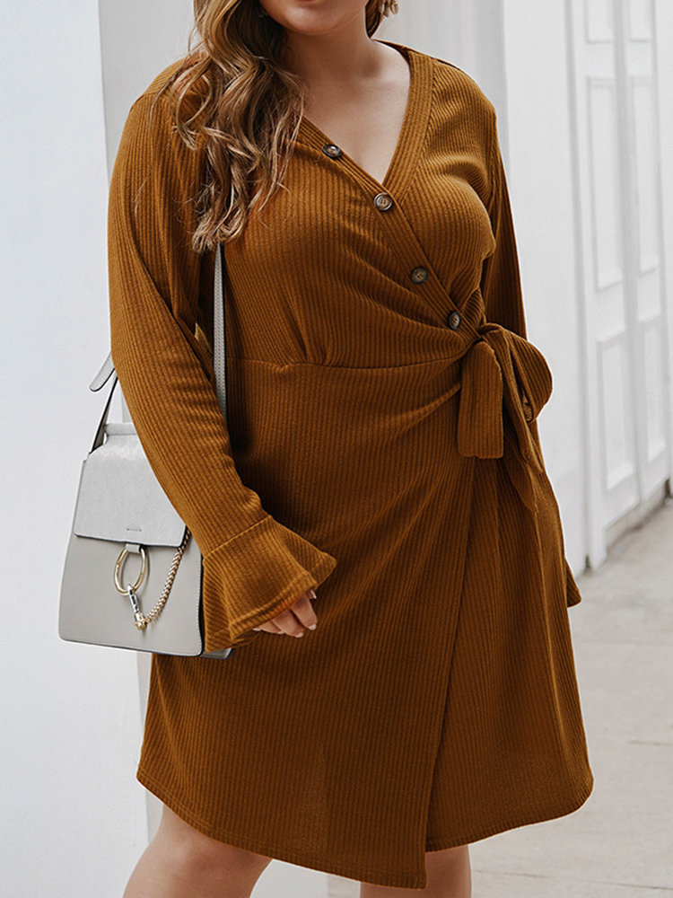 Casual V-neck Flare Sleeve Solid Color Plus Size Dress