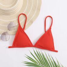 Geripptes dreieckiges Bikini Top