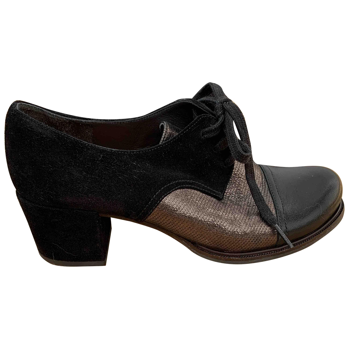 Chie Mihara \N Black Suede Lace ups for Women 38 EU