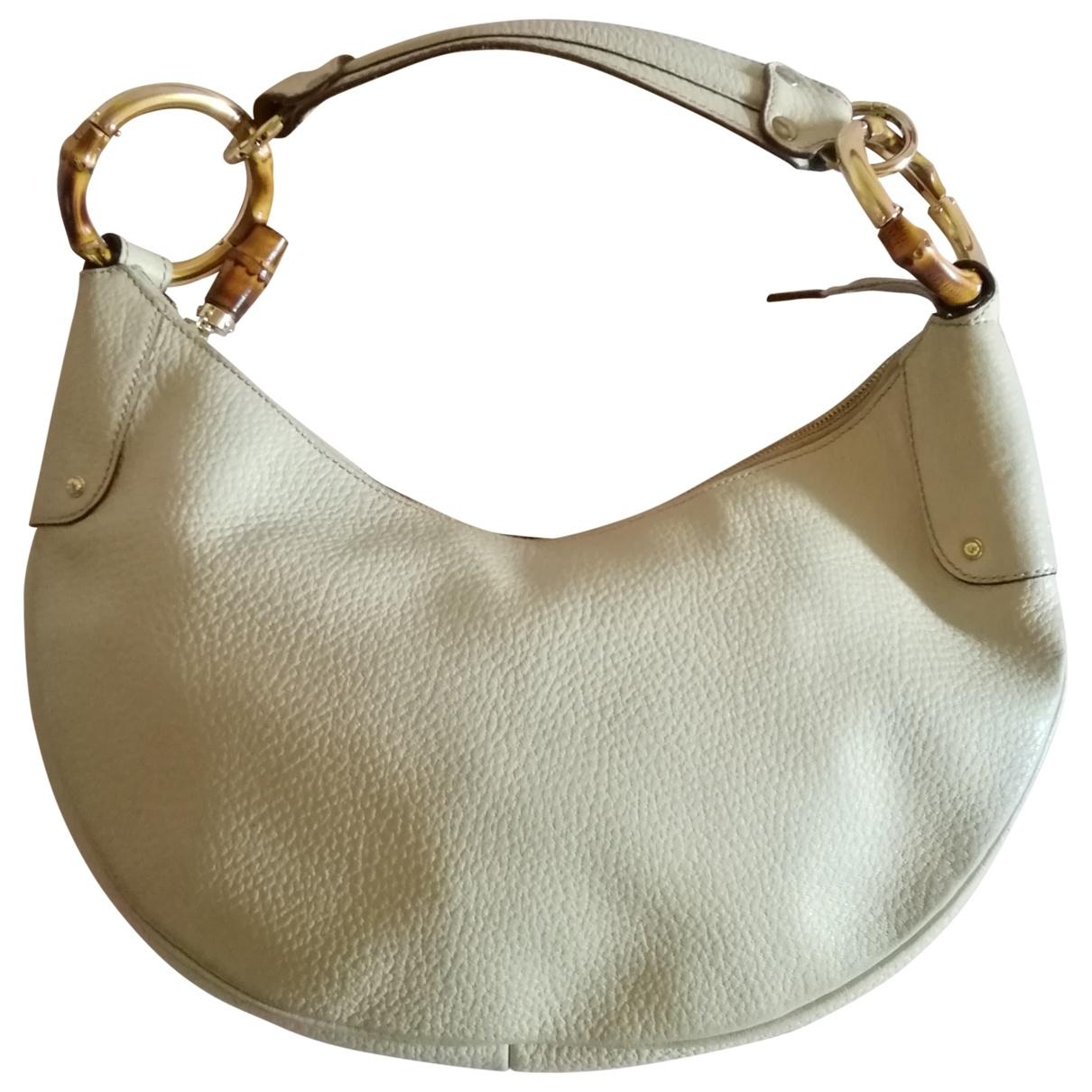 Gucci \N Handtasche in  Ecru Leder