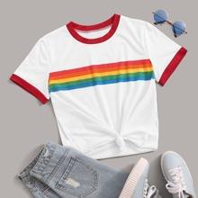 Ringer T-Shirt mit Regenbogen Streifen